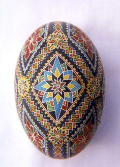 Lorrie Popow - Master Pysanky Artist.  Pysanka. Ukrainian Art Form. Pysanky eggs.