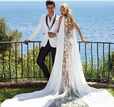 Don't want to look like white princess in your wedding dress on your big day? We collected for you some sexy wedding dresses ideas which are elegant alternatives. Sexy Wedding Dresses, Wedding Dress Styles, Bridal Dresses, Wedding Gowns, Bridesmaid Dresses, Sexy Dresses, Jon Kortajarena, Column Dress, Luxe Wedding