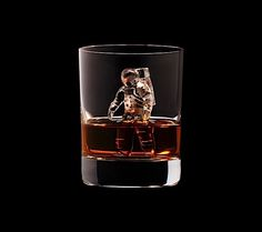 3D on the Rocks – Suntory Whisky wirbt mit Eiswürfel-Skulpturen | KlonBlog