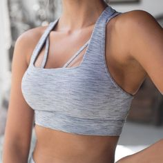 Back support AND front support... Alyssah has us weak at the knees! Shop the maximum support Alyssah Sports Bra via link bio before they are all gone! #thisisactiveliving #lornajane #movenourishbelieve #activeliving