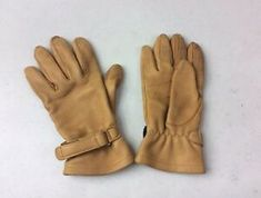 Gloves have minor wear and dirt stains. Length of gloves Winter Style, Autumn Winter Fashion, Motorcycle Riding Gloves, Leather Driving Gloves, Deerskin, Tan Leather, Fall, Fashion Trends, Vintage
