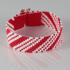 Candy Cane Christmas Bead Loom Bracelet  Artisanal by PuebloAndCo, $17.99