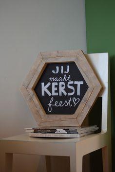 Geometrisch krijtbord   zeshoekig, honingraat   alternatieve kerstkrans   schoolbord van VanStoerHout
