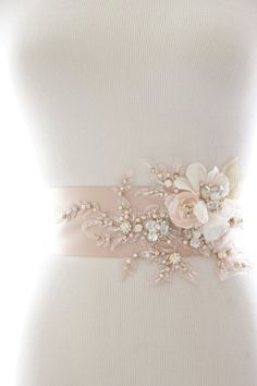 Bridal accessories belt beautiful Ideas for 2019 Bridal Sash Belt, Bridal Tiara, Bridal Jewelry, Bridal Belts, Wedding Belts, Wedding Sash, Rhinestone Wedding, White Bridal Shower, Bridal Accessories