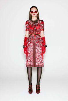 Alexander McQueen: pre-fall 2016 caleidoscópico e selvagem - Vogue   Desfiles