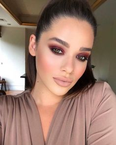 Burgundy eye makeup Burgunder Augen Make-up The post Burgunder Augen Make-up appeared first on . Gorgeous Makeup, Love Makeup, Makeup Inspo, Makeup Inspiration, Makeup Looks, Makeup Ideas, Makeup Style, Dress Makeup, Glam Makeup Look