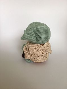 Ravelry: Yoda amigurumi pattern by Ingrid van Donkelaar Crochet Animals, Crochet Toys, Free Crochet, Knit Crochet, Owl Crochet Patterns, Crochet Ideas, Star Wars Crochet, Cute Costumes, Loom Knitting