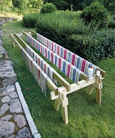 Matonkuivausteline on helppo tehdä itse: katso selkeät ohjeet! - Kotiliesi.fi Outdoor Projects, Outdoor Decor, Diy Garden Furniture, Pergola, Timber House, Garden Structures, Diy Projects To Try, Home Deco, Diy And Crafts