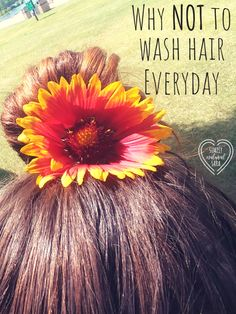 NOT washing hair everyday will result in saved time, more money in your pocket, and healthier hair! So basically a win-win situation! Natural Hair Care Tips, Natural Beauty Tips, Natural Hair Styles, Beauty Care, Beauty Hacks, Diy Beauty, Fitness Models, Luscious Hair