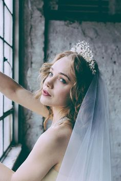 A beautiful and wildly romantic Sleeping Beauty inspired styled shoot, brimming with the most fabulous vintage bridal hair accessories. Wedding Veils, Chic Wedding, Wedding Styles, Wedding Stuff, Dream Wedding, Wedding Ideas, Wedding Dresses, Veil Hairstyles, Wedding Hairstyles