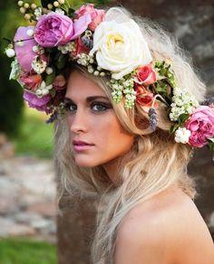 Long down blonde hair Toni Kami ⊱✿Flowers in her hair✿⊰ Boho Flower crown