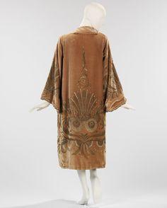 Evening Coat     Valentina     1925