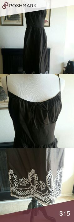 Spaghetti Strap Embroidered Empire Waist Dress Side zipper. I accept reasonable offers. Ann Taylor Dresses Maxi