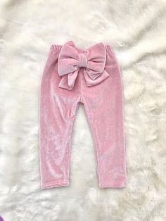 Children and Young Baby Girl Pants, Baby Girl Bows, Girls Bows, Baby Girl Dresses, Baby Dress, Pink Girl, Baby Outfits, Flower Girl Dress, Kids Outfits