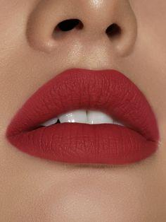 Matte Lipstick Shades, Pink Lipsticks, Lipstick Colors, Lip Colors, Matte Red Lips, Black Lips, Glossy Lips, Go Feminin, Kylie Lips