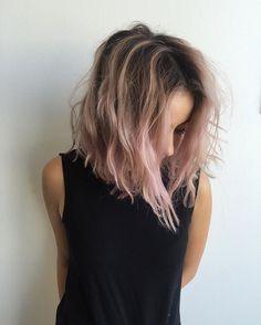 Grungy hair on @jesstheebesttcolor @jesstheebestt color by @andyjamespaints…