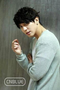 Jung Yong-Hwa  ♥ Messy hair+Gorgeous eyes+Sexy lips+Pointed nose+Hot body=PERFECTION