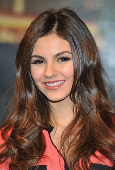 Victoria Justice - hairstyle inspiration