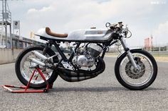 Kawasaki's H1 498cc, triple-cylinder by Valtoron. One of the first two-strokes to earn the 'widow maker' title