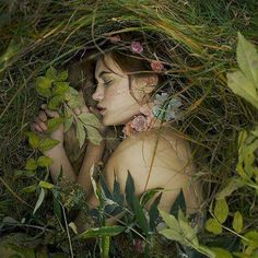 Forest fairy - The burial III by AlexandraSophie Story Inspiration, Character Inspiration, Writing Inspiration, Elfa, Fantasy Photography, Photography Flowers, Artistic Photography, Portrait Photography, Foto Art