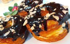 Resep Kue: Original Cronut Cronut, Muffin, Sweets, Cakes, The Originals, Breakfast, Food, Morning Coffee, Gummi Candy