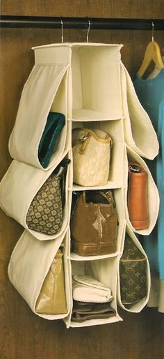 Hanging closet purse organizer with pockets, plus lots of other purse storage id.️ Bags and Purses Handbag Storage, Handbag Organization, Closet Organization, Handbag Organizer, Diy Organisation, Purse Organizer Closet, Watch Organizer, Organizing Ideas, Hanging Purses