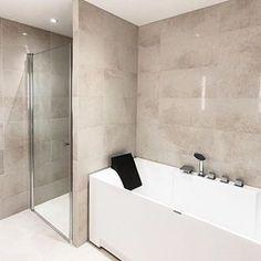Unn deg litt luksus på badet! . . . #søndag #luksus #vvs #vvseksperten #modenafliser #bsderom #baderomsinspirasjon #bathroomdesign #bathroom #baderomseksperten #vikingbad #oppussing #baderomsinspo #inspirasjon #bathroom #bathroomdecor #tiles #fliser : @brodreneskog