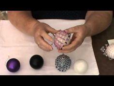 Tutorial: BONUS Christmas beaded Toy decoration / БОНУС Новогодний ёлочный шар из бисера - YouTube