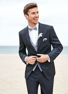 Groom in a palette of grays.