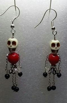 Incredible and Eerie Jewelry Ideas for Halloween Accesso.- Incredible and Eerie Jewelry Ideas for Halloween Accessories Incredible and Eerie Jewelry Ideas for Halloween Accessories - Halloween Schmuck, Halloween Jewelry, Holiday Jewelry, Halloween Earrings Diy, Crystal Jewelry, Wire Jewelry, Beaded Jewelry, Handmade Jewelry, Jewlery