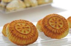 Date stuffed semolina cookies (Ma'amoul) recipe