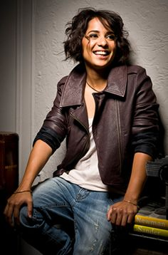 Meet Vicci Martinez:  http://renegadechicks.com/catching-up-with-singer-songwriterguitarist-vicci-martinez/
