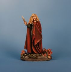 Cordelia, Female Witch, Dark Sword Miniatures