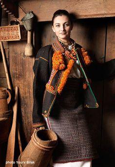Hutsul girl, W Ukraine,foto by Y Bilak, from Iryna with love Folk Fashion, Ethnic Fashion, Ukrainian Art, Ukrainian Dress, Ukraine Girls, Folk Costume, Traditional Dresses, Beauty Women, Beautiful People