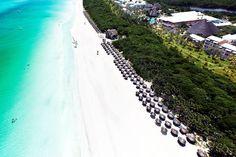 Vakantieaanbiedingen Cuba Zonvakantie Iberostar Holguin in Playa Pesquero Holguin, Varadero, Varanasi, Resort Spa, Places Ive Been, To Go, River, Beach, Outdoor Decor