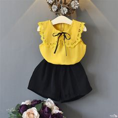 He hello enjoy toddler clothes sleeveless lace bow tops+shorts outfits summer clothing 2018 kids Frocks For Girls, Toddler Girl Dresses, Little Girl Dresses, Toddler Outfits, Kids Outfits, Girls Frock Design, Baby Dress Design, Baby Girl Fashion, Kids Fashion