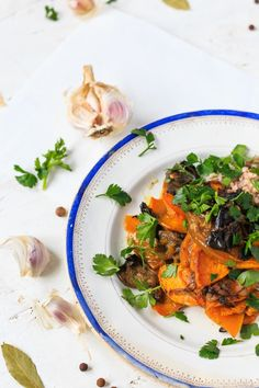Roasted pumpkin with mushrooms - vegan lunch