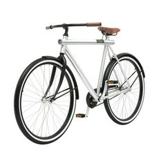 Have you ever dreamed about a simple and solid urban bicycle with only necessary elements? I was looking for such a bicycle and I found it in Amsterdam.