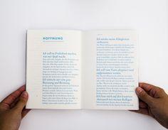 Ein Buch über Design-Praktika Das Buch soll Design-Studenten und Schulabsolventen helfen, die vielen Schritte auf dem Weg zum Praktikumsplatz zu meistern. Namhafte Agenturen wie Strichpunkt, Jung von Matt, Juno, Kocmoc, Krieger des Lichts, Neue Gestaltung, Büro Uebele, Zum Kuckuck, HW.D, KMS, Heimat und Deutsche und Japaner haben mit uns die über die Herausforderungen, Besonderheiten und [...]