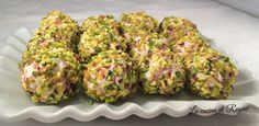 Pistachio ricotta balls - All Recipes Healthy Finger Foods, Ricotta, Brunch, Christmas Lunch, Xmas Food, Weird Food, Antipasto, Appetizers For Party, Food Design