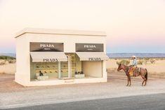 Gray Malin has shot new photographs for his popular series of Prada Marfa. Shot in Marfa Texas of the acclaimed art installation, Prada Marfa. Photography Series, Framing Photography, Fine Art Photography, Viria, Marfa Texas, Cowboy Pictures, Prada Marfa, Beverly Hills Hotel, Installation Art