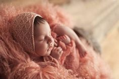Sandra Hill Photography - Newborn and Baby Portraiture. Newborn Photography Props, Newborn Photographer, Newborn Crochet, Crochet Baby, Baby Poses, Baby Bonnets, Poses For Photos, Photographing Babies, Organic Baby
