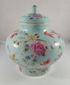 Nanjing Road Blue Floral Handpainted China Porcelain Vase Pot Lidded Ginger Jar