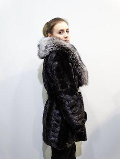 Real Mink Fur sheared with Big Fox CollarBlack by FilimegasFurs Black Fur Coat, Coats For Women, Clothes For Women, Shearing, Mink Fur, Dress For Success, Fox, Sleeves, Model