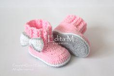 Artículos similares a Crochet botitas de bebé 4ff5bc49761e9