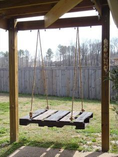 My dad needs to give me all of his pallets now. 40 DIY Pallet Swing Ideas