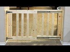 New deck stairs diy baby gates Ideas Wood Baby Gate, Diy Dog Gate, Diy Gate, Baby Gate For Stairs, Barn Door Baby Gate, Diy Baby Gate, Stair Gate, Deck Stairs, Baby Gates