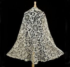 Hand-assembled mixed lace shawl, 19th century