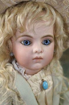 Old Dolls, Antique Dolls, Vintage Dolls, Pretty Dolls, Beautiful Dolls, Barbie, Haunted Dolls, Bisque Doll, Doll Maker