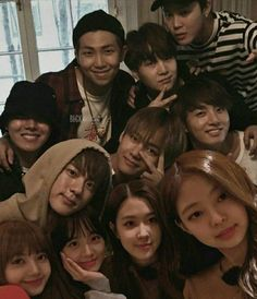 Namjoon, Taehyung, Bts Girl, Bts Boys, Blackpink Photos, Bts Pictures, K Pop, Wattpad, Korean Best Friends